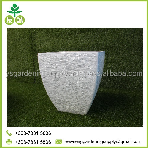 Hand Made Small White Polyresin Fiberglass Pot for Office and Mall