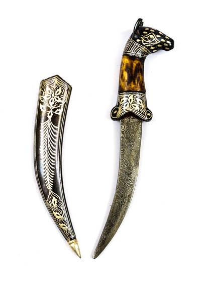 Antique Decorative Dagger with Horse-head Design and Camel Bone Hilt with Damascus Iron Blade (a86)