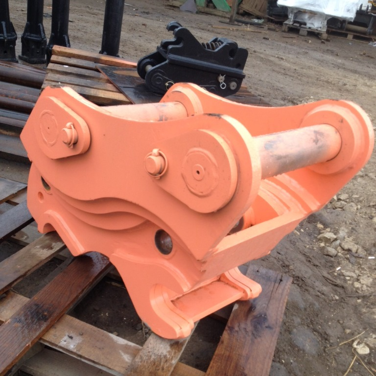 Excavator quick couplers from 3t to 50t machines