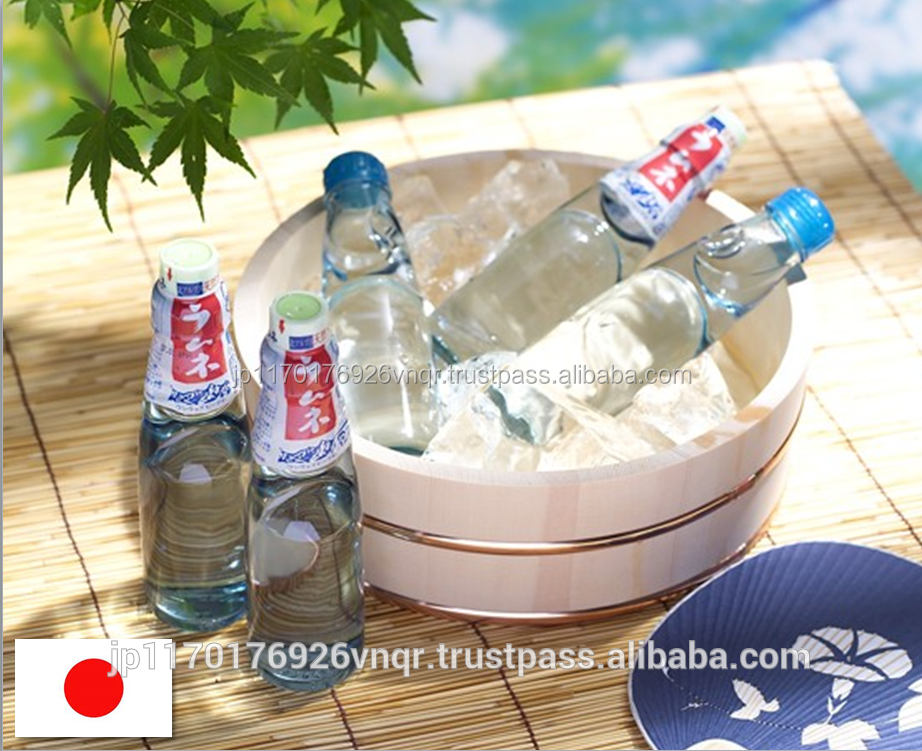 Japanese refreshing ramune carbonated soft drinks using natural water