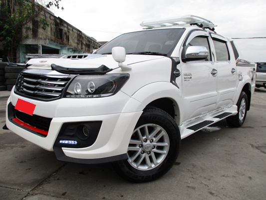 6557 VIGO 4WD 3.0G AT DOUBLE CAB WHITE