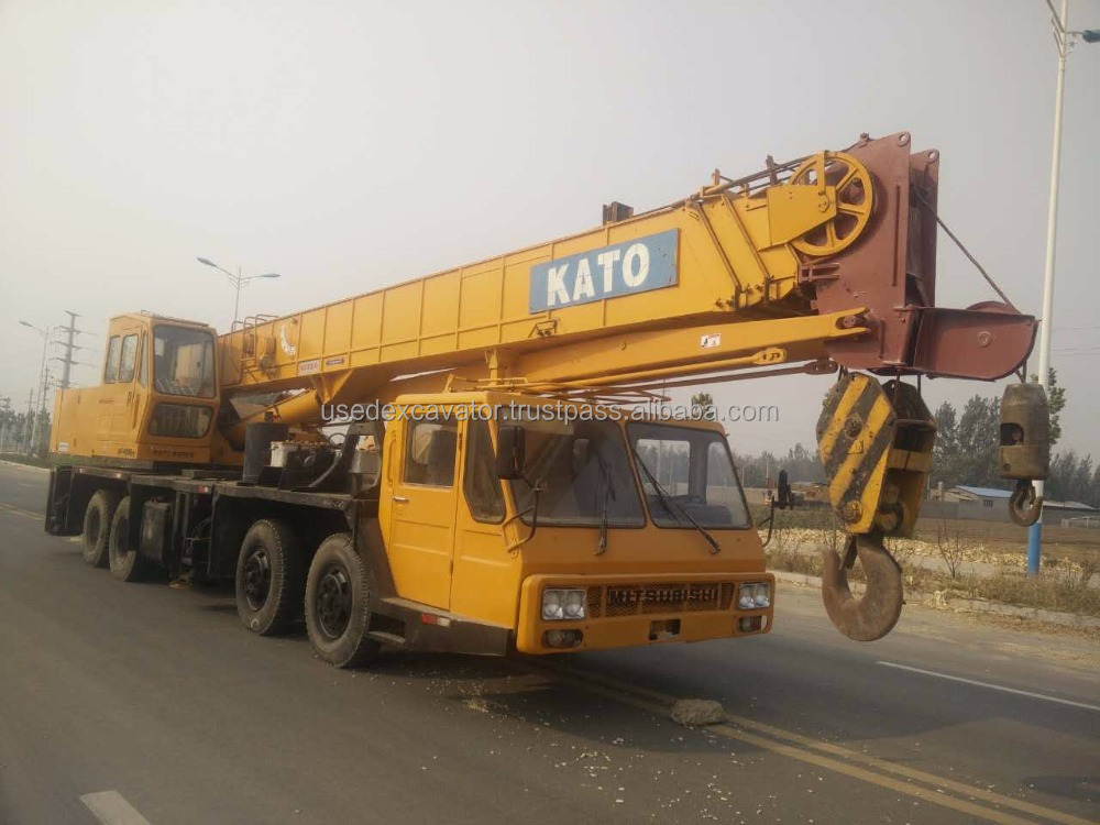 truck crane kato 40 ton NK-400E for sale best price with good conditin and nice price