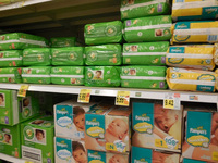 Fluff Pulp Baby & Adult Disposable Diapers.
