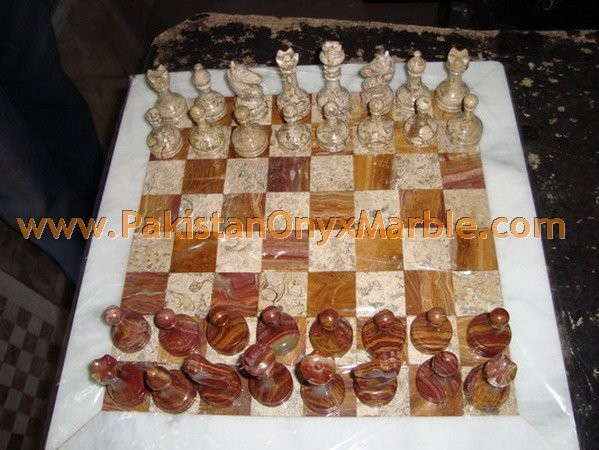 onyx-chess-boards-set-checkers-red-onyx-green-onyx-white-onyx-figures-15.jpg