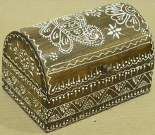 NATURAL WOODEN FINISHING HANDMADE BOX WITH WHITE COLOR EMBOSSING RANGOLI DESIGN FOR HOME DECOR AND GIFT SIB-56B