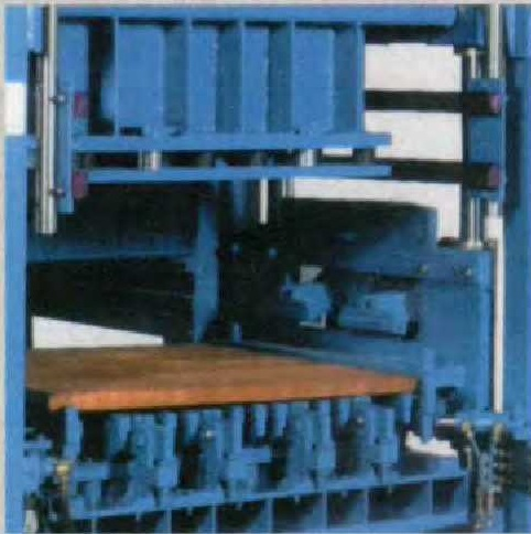 MAGNUM- MADE IN ITALY AUTOMATIC CONCRETE BLOCK MAKING MACHINE