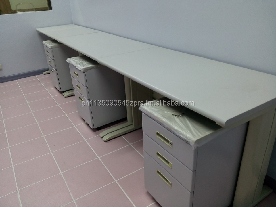 Laminated Top > Computer Desk < Office Partition / Funiture