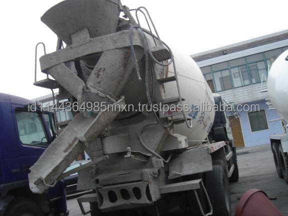 mitsubishi Mercedes concrete mixer truck for sale Good quality sale