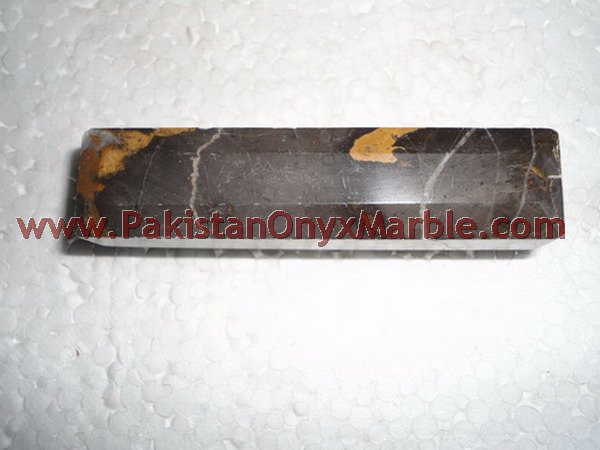 BLACK AND GOLD MARBLE/MARBLE PULLS
