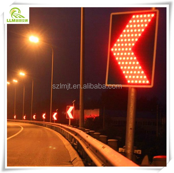 Factory direct 45pcs high brightness LED built-in road direction solar traffic sign