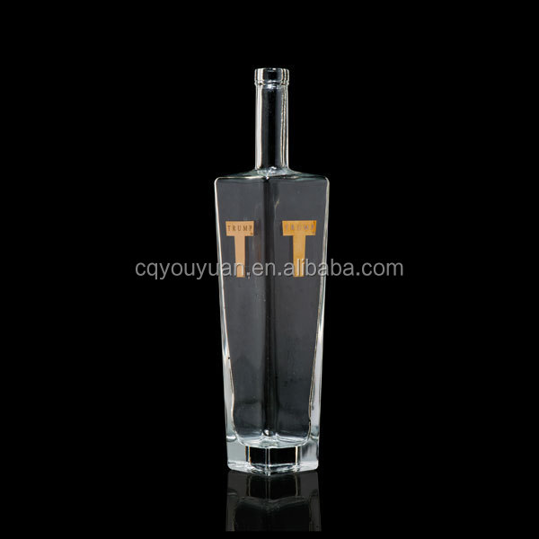 700ml fashional vodka glass bottle distributor