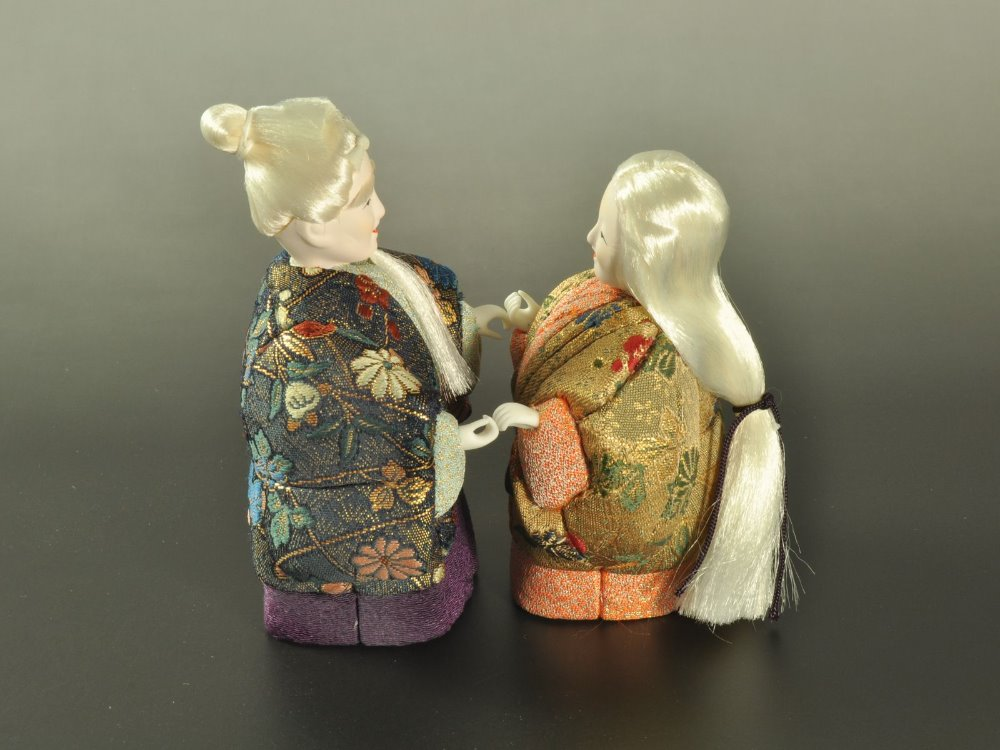 Japanese traditional doll for souvenir or commerating item for new couples looking for distributor in Bangkok wedding gift bag