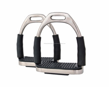 BRAND NEW FLEXI SAFETY IRONS BENDY STIRRUPS STAINLESS STEEL HORSE BLACK TREADS
