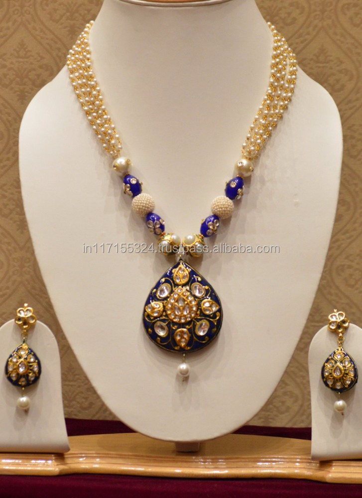 White stone and tiny pearls traditional necklace set for women