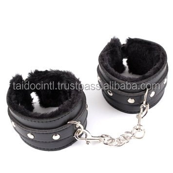 Sex Toy Beginners Bondage Fantasy Flirting Tools Soft Pu Leather Bdsm Restraints Black Handcuffs