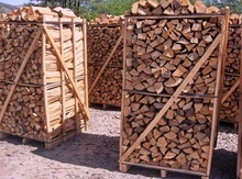 Hardwood firewood/ Heating Wood Moisture 25- 35 % for burning