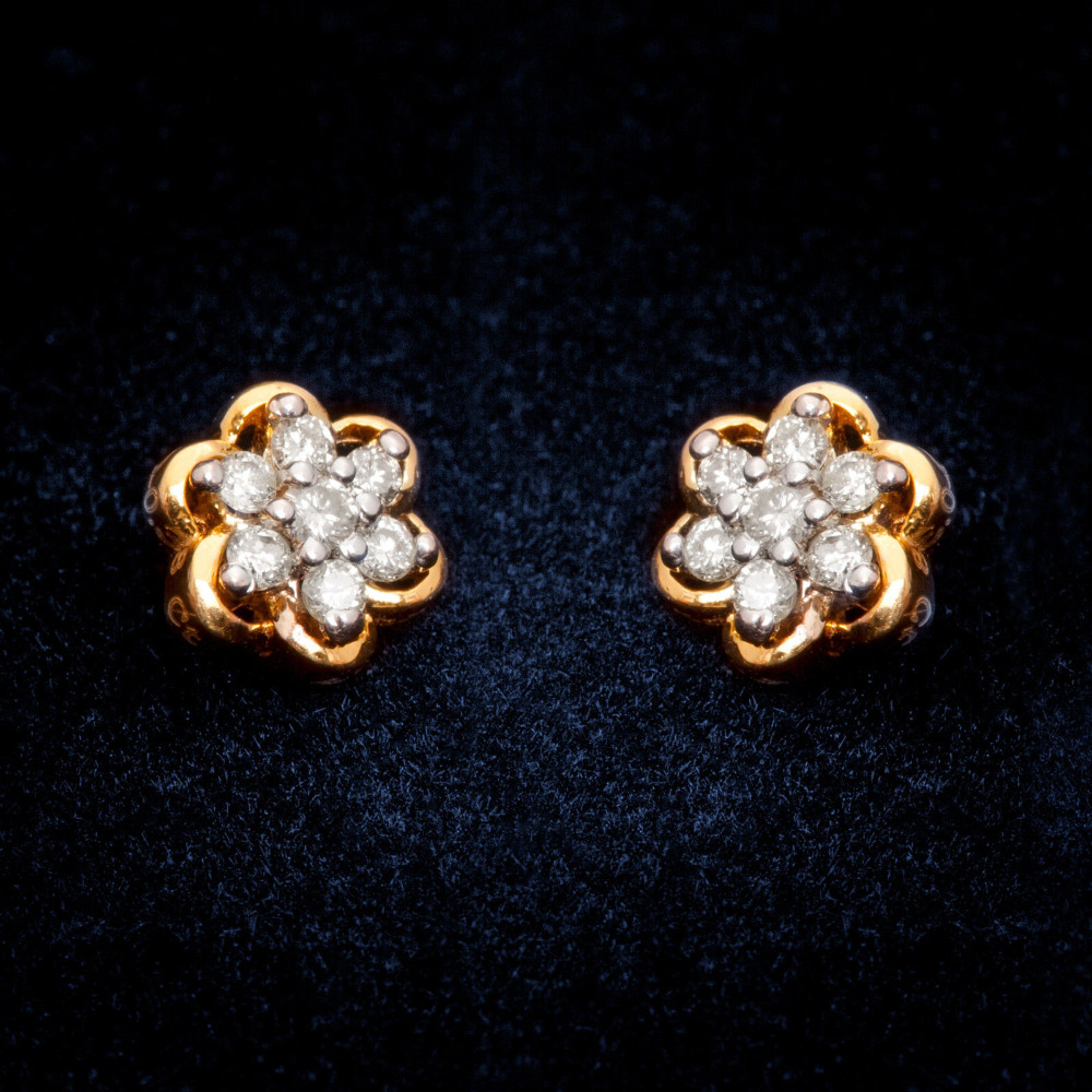 Light weight Real Diamond Cluster Earring