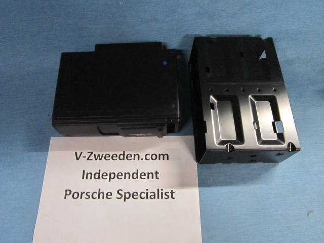 Part for Porsche NEW OEM 99704490072 Cd changer