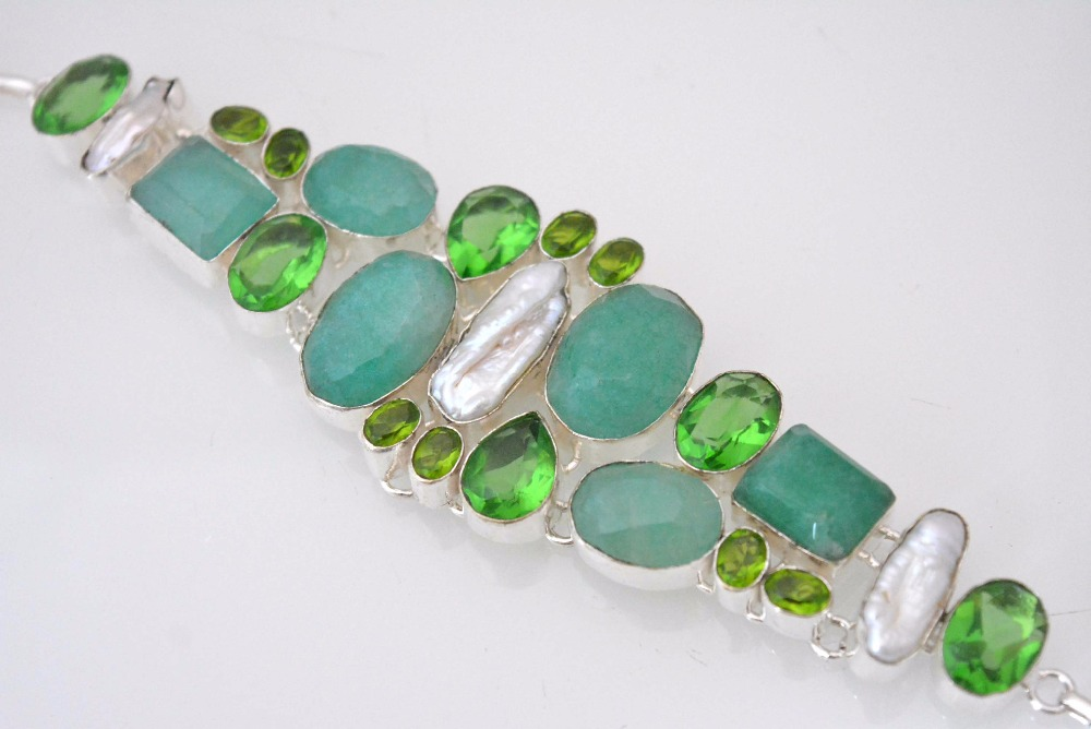 Party Wear Onyx-Peridot Quartz-Biwa Pearl Top Smart Bracelet