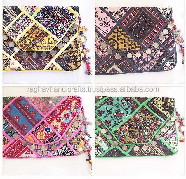 Bohemian look Vintage Embroidery Handbag Ethnic Hippie Boho Bag Ladies Designer Bag Wholesale
