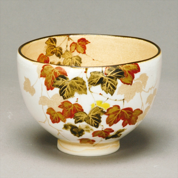 The Popular Autumn tea bowl shirokake tsuru for drink matcha