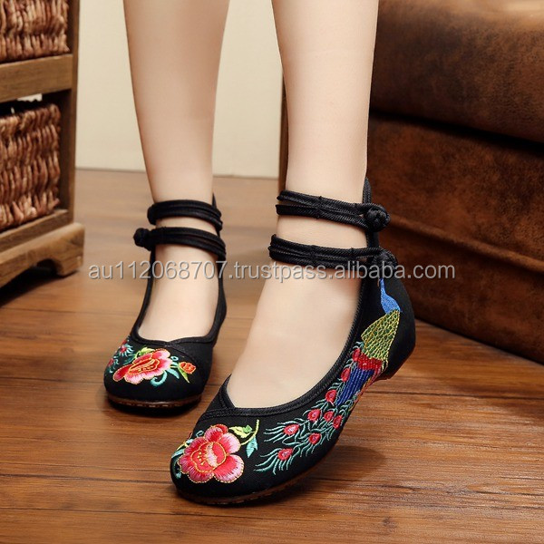 Spring Autumn Women Casual Cotton Linen Shoes Buckle Chinese Style Flower Embroidered Ladies Canvas Flats Oxford Sole No logo