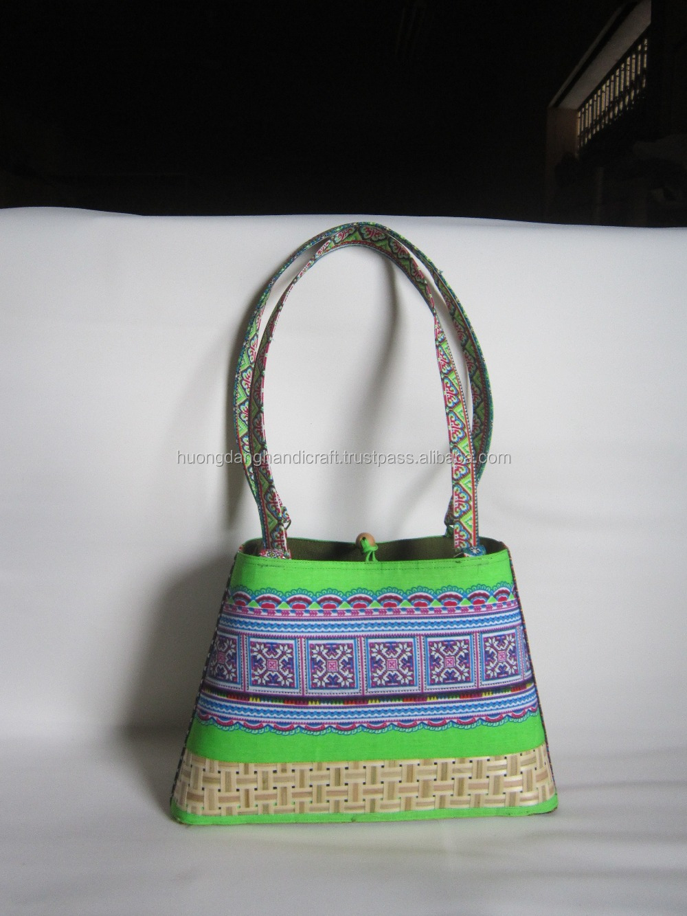 Vietnamese Fashion Style Bamboo Handbag for Woman