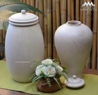 urn/pot mango wood antique white with lid