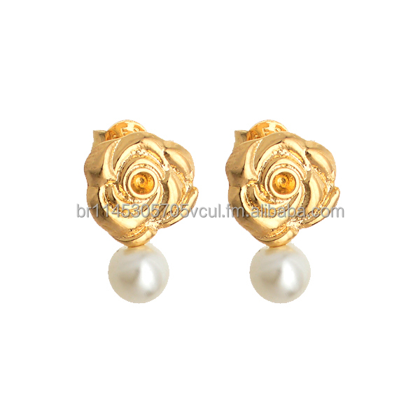 Screw back earring jewelry with a rose shape base and pearl