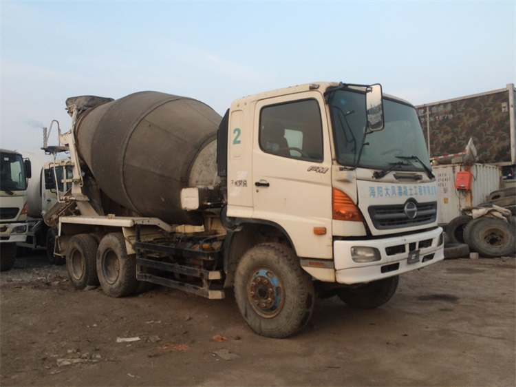 Import From Japan Used HINO Concrete Mixer Truck 500 With Pump