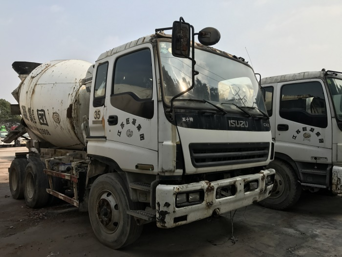 Top Sale 8m3 9m3 Japanese Used ISUZU Concrete Mixer Truck With Pump