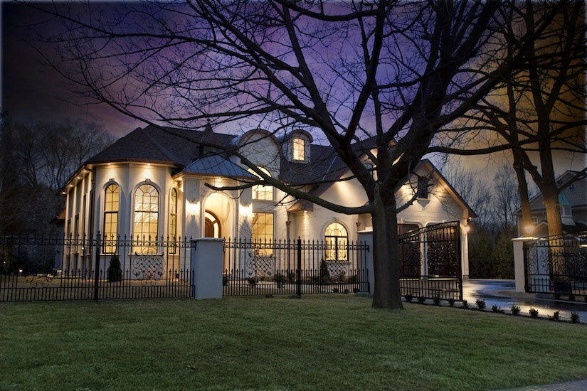 Investment - Custom Home in prestigious Oakville, Canada (Toronto)