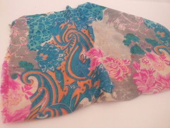 100% pure cashmere printed scarf & stoles