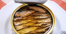 can food Canned Smoked sprats in oil canned food