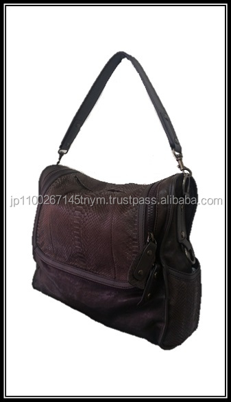 Sophisticated and Japanese manufacturers of hand bags for any occations , sample set available