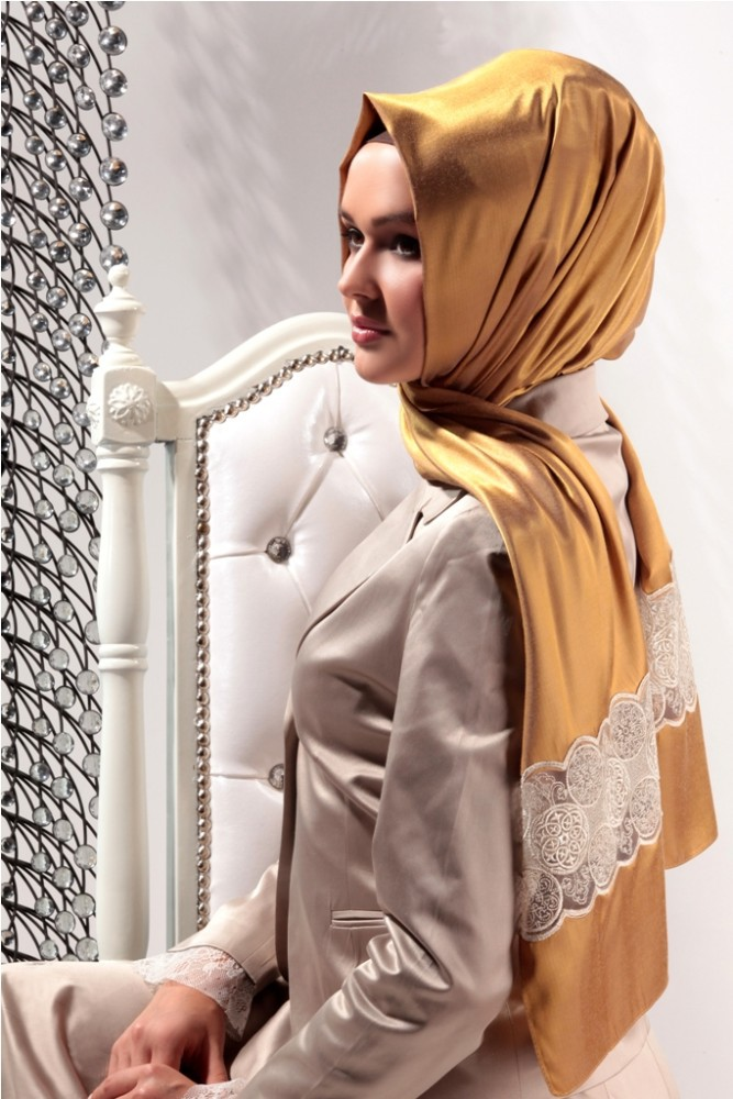 2015 New Style Exclusive High End Silk Looking Laced Hijab shawl 1071