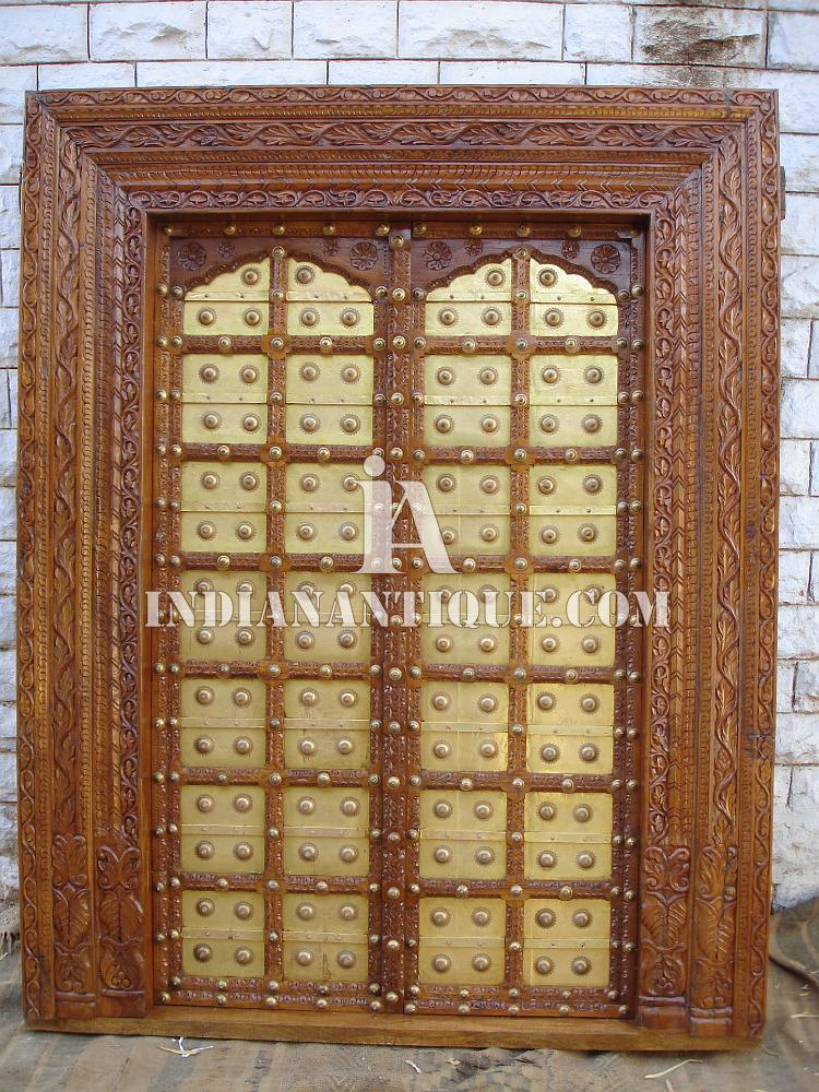 ANTIQUE INDIAN ROYAL TEAK WOOD HAND CARVED ENTRY DOOR WITH BRASS ORNAMENTS IA-AN-DO-02