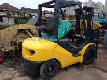 Japan used good quality KOMATSU forklift for sale FD30