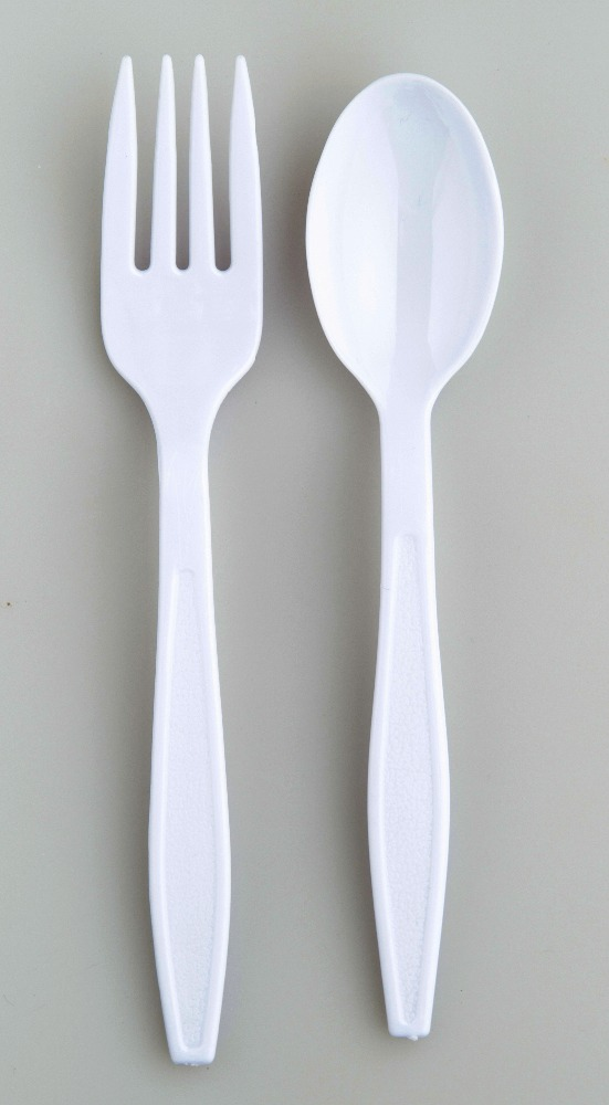Disposable plastic cutlery.,use the KFC in thailand,PS,white,size spoon width 3.3 x long 16.6 cm.,size fork width 2.7