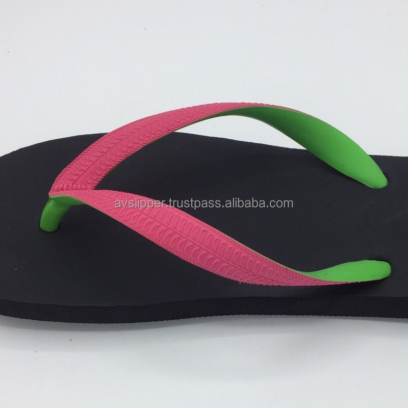 Rubber strap slipper