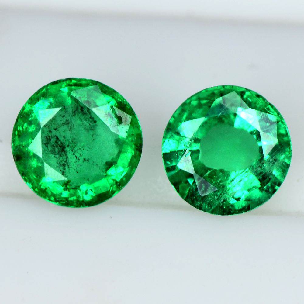 0.57 Cts Natural Top Green Emerald Round Cut Pair Zambia Untreated 4 mm Video
