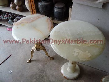 NATURAL COLOR ONYX TABLES COLLECTION