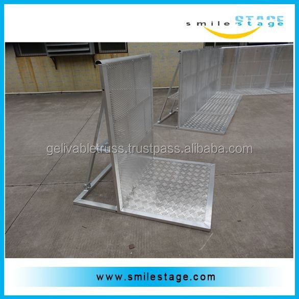 Metal Railing Stand/ Crowd Control Barrier/ Stanchion