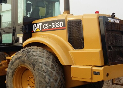 Used Caterpillar CS583D Compactor machine 2002Y Road Roller in Korea