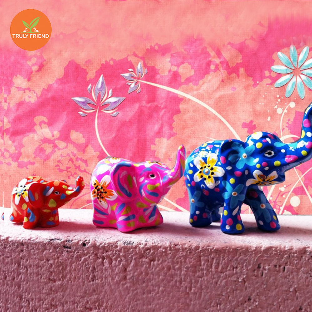 Elephant doll resin product in Thailand Gift souvenir amulet home decorating garden decorating