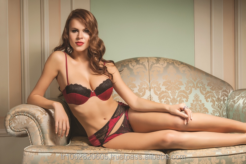 5871 Venus sexy lingerie, Bordeaux, vine, green padded strapless garter lace brief bra set