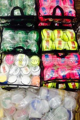SLIOTARS WITH A VARIETY OF COLORS PACKED INSIDE HAND CARRY BAGS DIFFERENT CLUBS LOGO ARE PLACED.