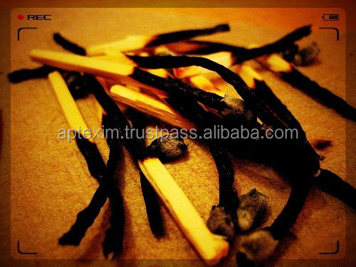 Carbonized and Non Carbonized Wooden Sticks Matches supply