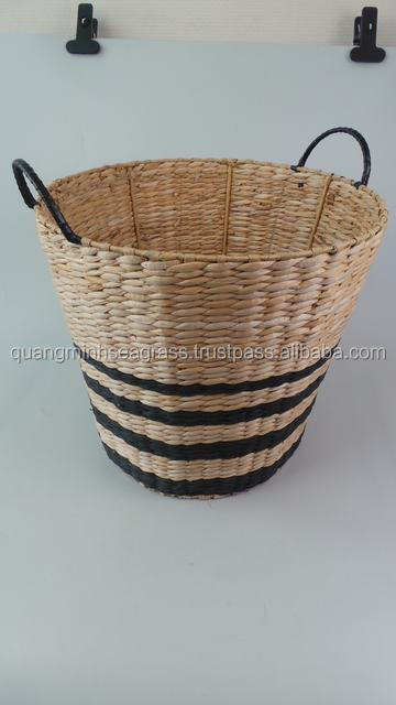 Striped hand woven water hyacinth fruit basket cheap price wicker food basket high quality straw kids' toys basket