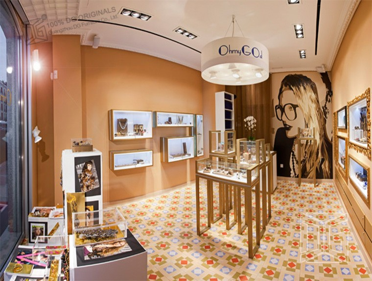 Fashion names interior design ideas jewellery shops buy interior design ideas jewellery shops for Names of famous interior designers